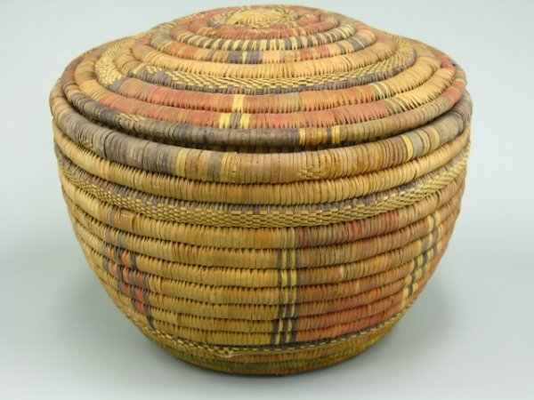 687 african coiled basket with lid lot 687. Black Bedroom Furniture Sets. Home Design Ideas