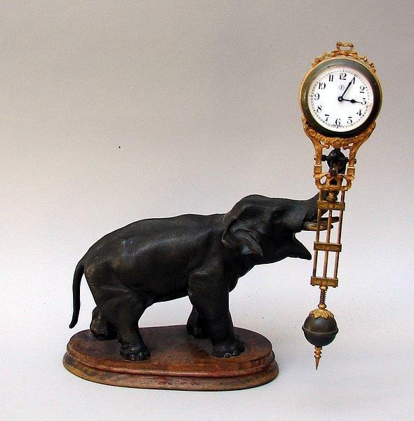 Remarkable, Junghans swinger clocks variant