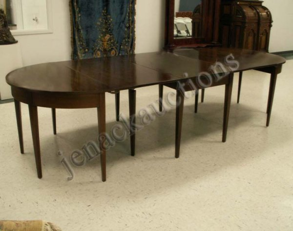 333 KITTINGER HEPPLEWHITE STYLE MAHOGANY DINING TABLE  : 44710341l from liveauctioneers.com size 600 x 474 jpeg 42kB