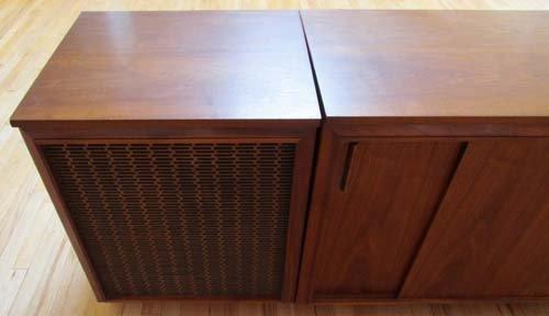 504 Barzilay Stereo Cabinet Lot 504