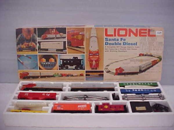 Lionel santa fe double diesel train set
