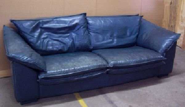 1389 teal leather couch lot 1389 for Teal leather couch