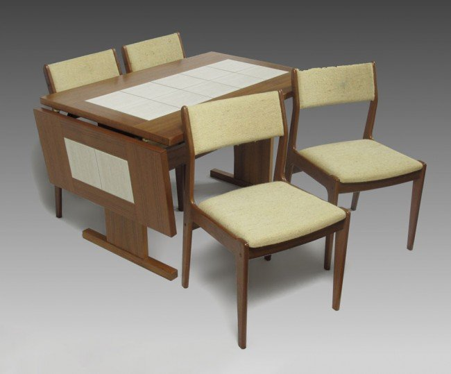 257A: GANGSO MOBLER DANISH MODERN TABLE AND CHAIRS : Lot 257A