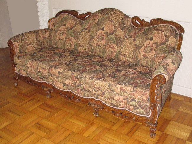 173 1920 39 S French Style Overstuffed Sofa Lot 173