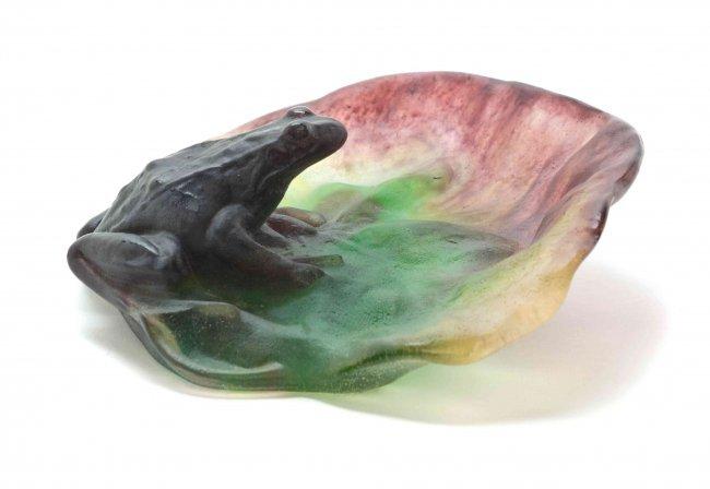 a daum pate de verre frog dish width 6 1 4 inches lot 3117. Black Bedroom Furniture Sets. Home Design Ideas