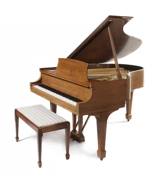 A steinway sons baby grand piano length 56 inches Size of baby grand piano