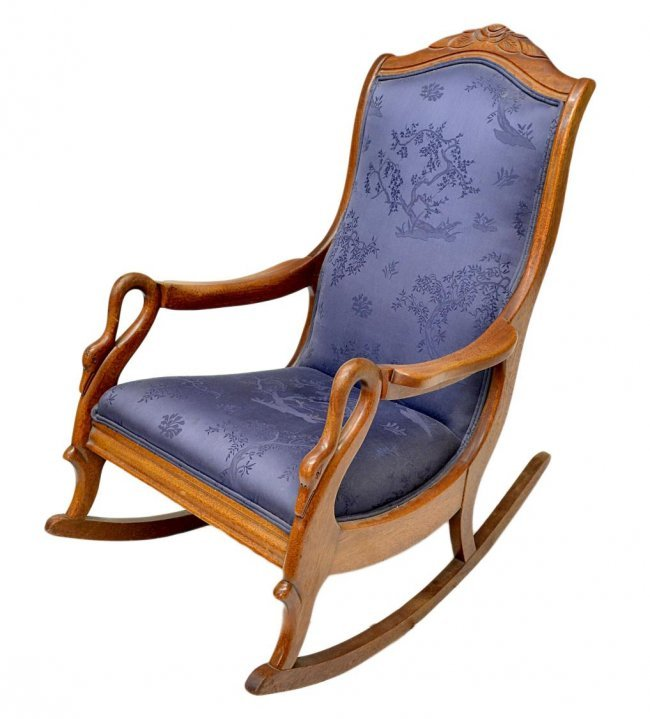 67: AMERICAN ROCKING CHAIR, SWAN ARM SUPPORTS : Lot 67