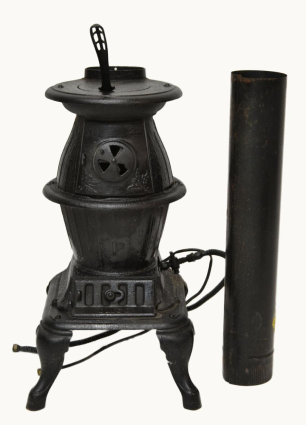 480 Small Cast Iron Pot Belly Wood Stove Lot 480