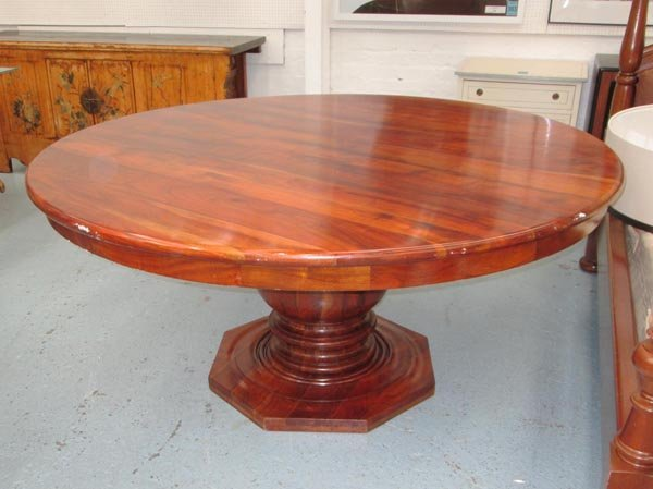 dining table circular solid wood on a turned column of lot 146