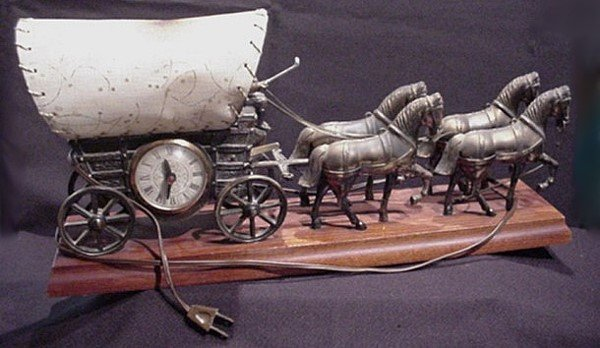 United Horse Amp Carriage Electric Mantle Clock Antique