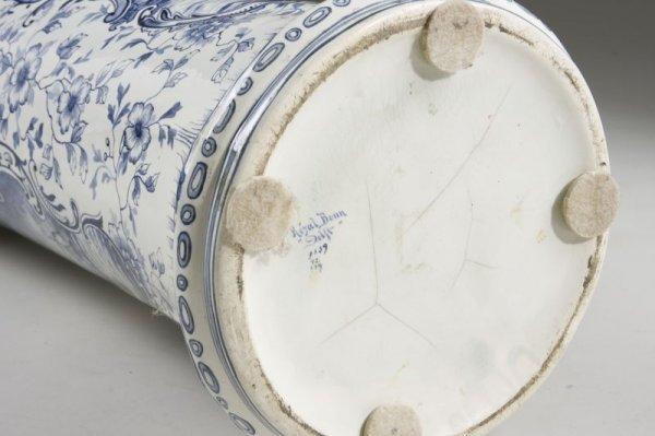 "Amazon.com: Porcelain Umbrella Stand Gray On Black 9""x25"": Patio"