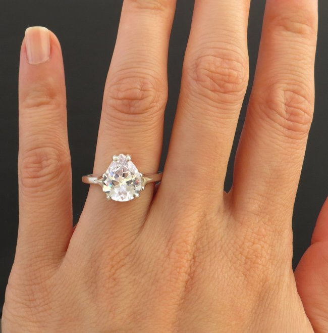2 5 carat Flawless White 9x11mm Pear Diamond Solitaire Lot 249
