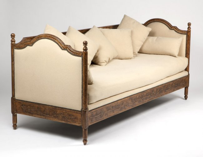 A French Provincial Style Carved Walnut Sofa Daybed