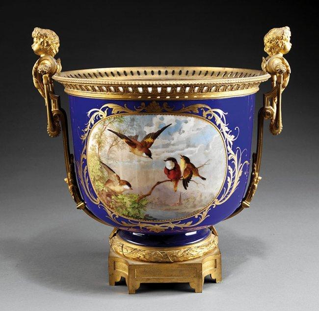 A napoleon iii porcelain jardiniere lot 297 for Jardiniere napoleon 3