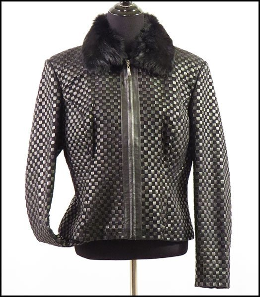 about WOMENS LEATHER JACKET BY Marvin Richards SIZE MED BLACK LEATHER