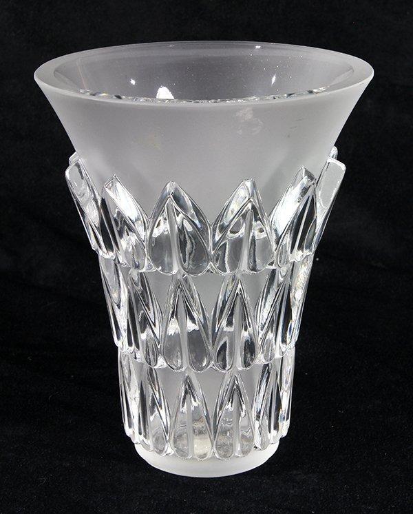 lalique france 39 leaf decor 39 crystal vase lot 229. Black Bedroom Furniture Sets. Home Design Ideas