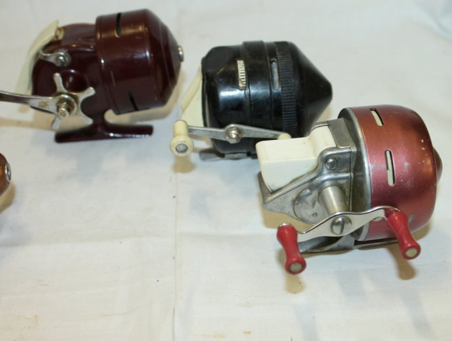 4 vintage push button spinning reels lot 158 for Push button fishing reel