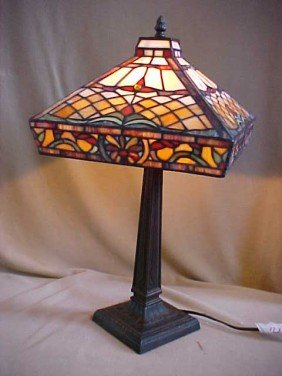 ken 39 s antiques and auction tiffany style lamp auction