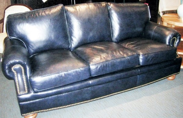 102078 bradington young navy leather sofa l86 d39