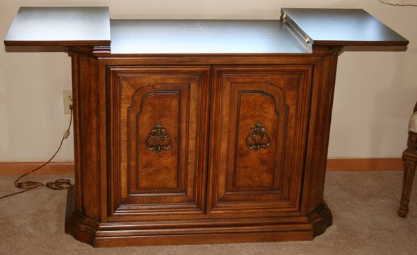 110067 BERNHARDT DINING SET TABLE CHAIRS CABINET Lot  : 26894132l from www.liveauctioneers.com size 600 x 368 jpeg 39kB