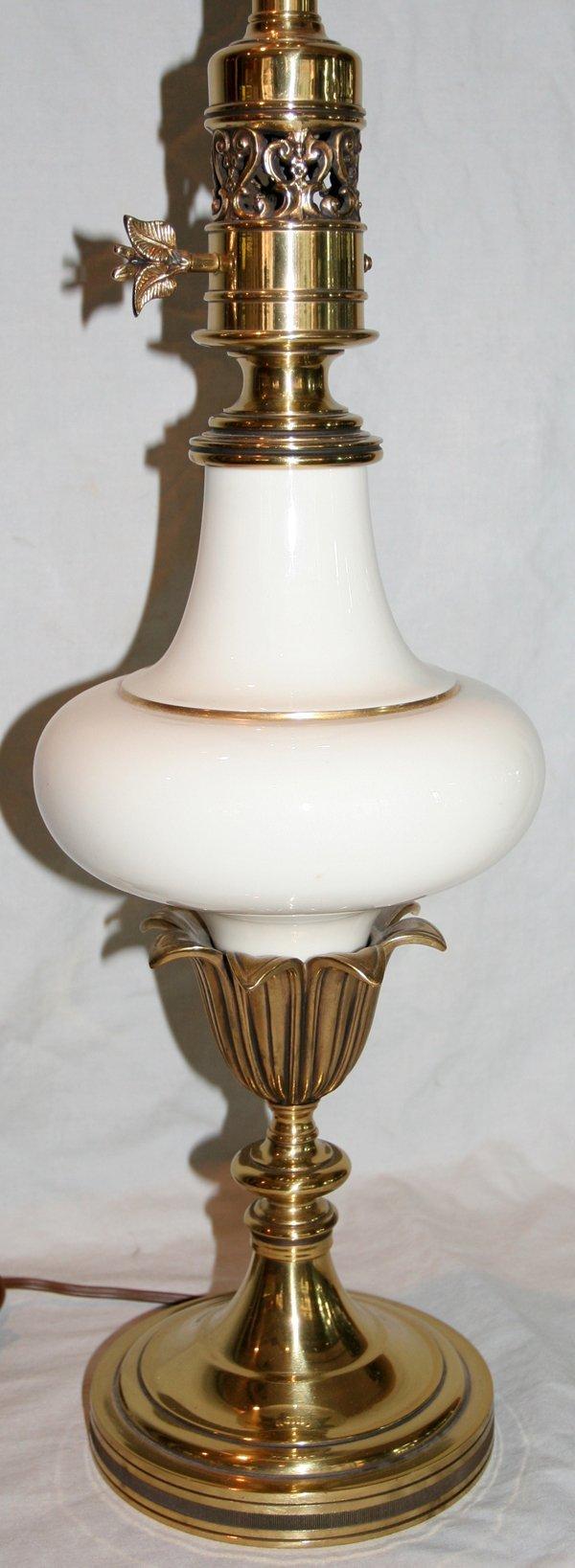 061460 stiffel porcelain and brass lamp h 35 lot 61460. Black Bedroom Furniture Sets. Home Design Ideas