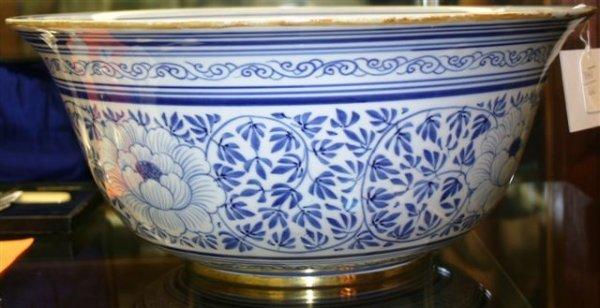 Blue white ceramic centerpiece bowl h quot lot