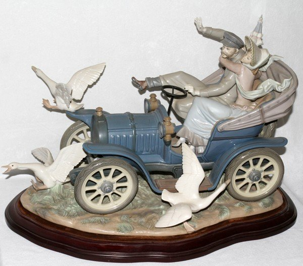 Lladro Car In Trouble