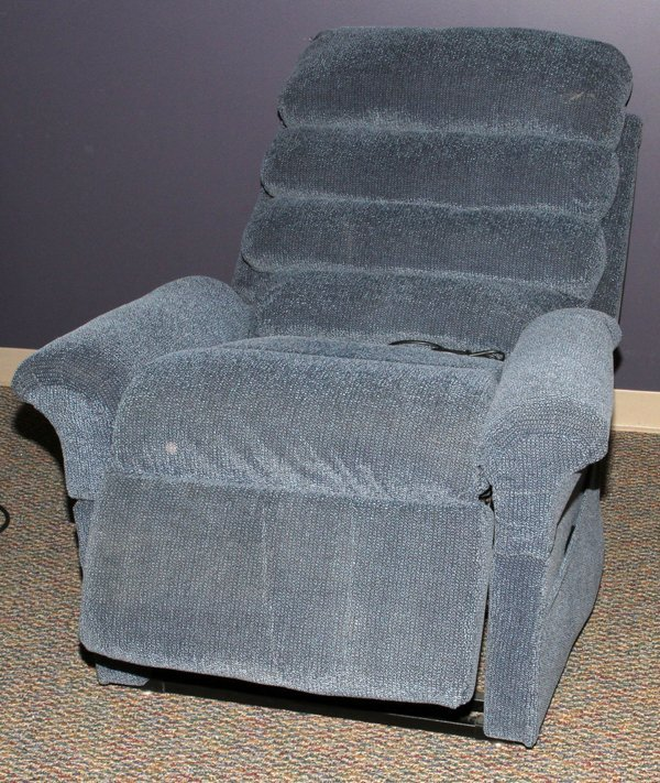 PRIDE LIFT CHAIR RECLINER REMOTE CONTROL H 45 Lot 80397