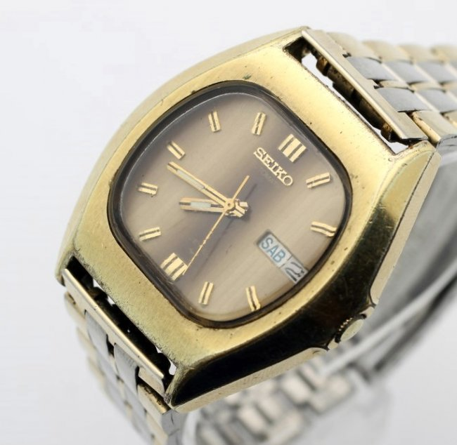 Seiko Automatic Day Date Vintage Mens Watch 7009 5019 Lot 75