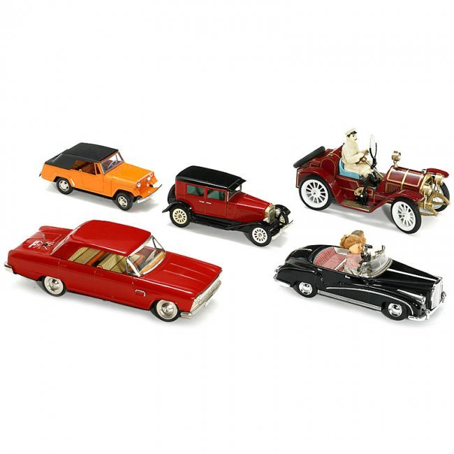 582: 5 large Japanese Toy Cars, from the 1960s : Lot 582