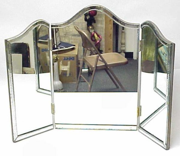 2277: 40's Venetian tri-fold dressing mirror with arch