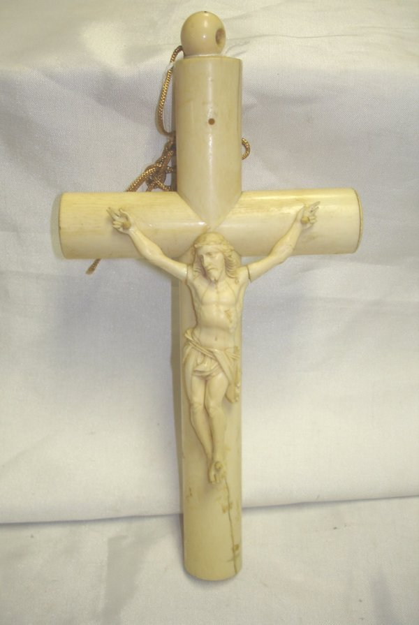 ANTIQUE CARVED IVORY CRUCIFIX CORPUS CHRISTI CROSS