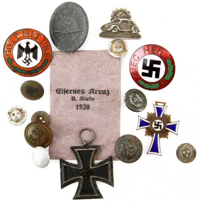 Similiar WWII Nazi Pins Keywords