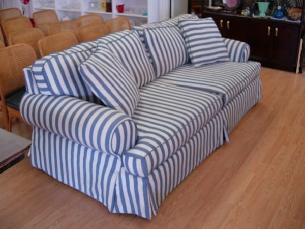 11278: MODERN SOFA BLUE WHITE STRIPED COTTON DENIM COMF : Lot 11278