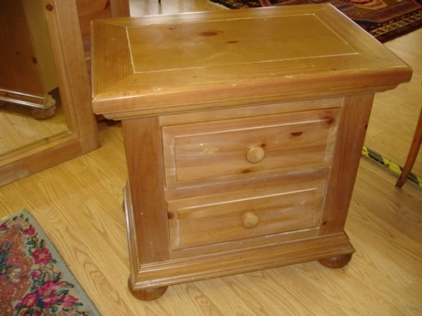 Broyhill Pine Bedroom Furniture : BROYHILL FONTANA SOLID PINE