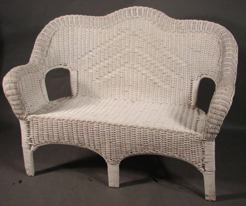 400 Vintage Wicker Loveseat Painted White Minor Pain Lot 400