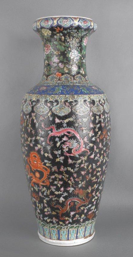 1135 chinese porcelain famille noir palace vase 36 1 lot 1135. Black Bedroom Furniture Sets. Home Design Ideas