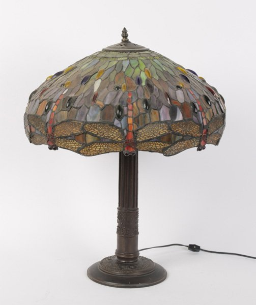 tiffany style table lamp dragonfly shade. Black Bedroom Furniture Sets. Home Design Ideas