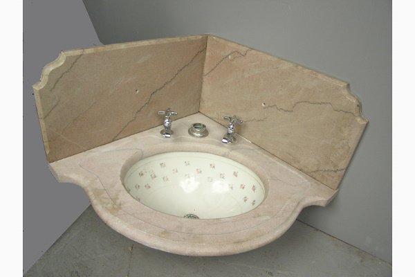 Victorian Corner Sink : 50136032: VICTORIAN MARBLE CORNER SINK WITH BACKSPLASH : Lot 50136032