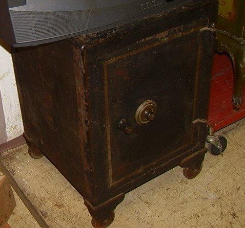 vintage safe on casters images frompo. Black Bedroom Furniture Sets. Home Design Ideas