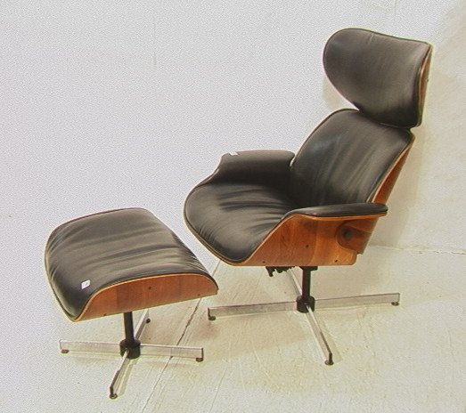 452 Plycraft MR CHAIR Lounge Chair and Ottoman Lot 452