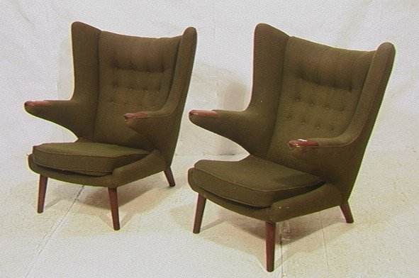 659: PR HANS WEGNER Lounge Chairs. PAPA BEAR Chairs. M