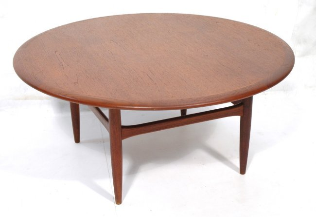 Danish Modern Large Round Coffee Cocktail Table Lot 413