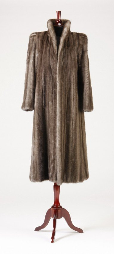 107 full length mink coat from neiman marcus lot 107. Black Bedroom Furniture Sets. Home Design Ideas