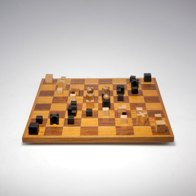 Josef hartwig bauhaus chess set 39 xvi 39 lot 241 - Bauhaus chess board ...