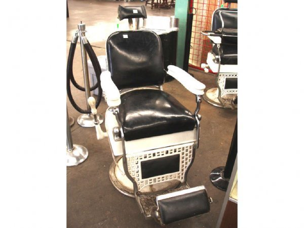 Chicago Koch A Theo Barber Chair