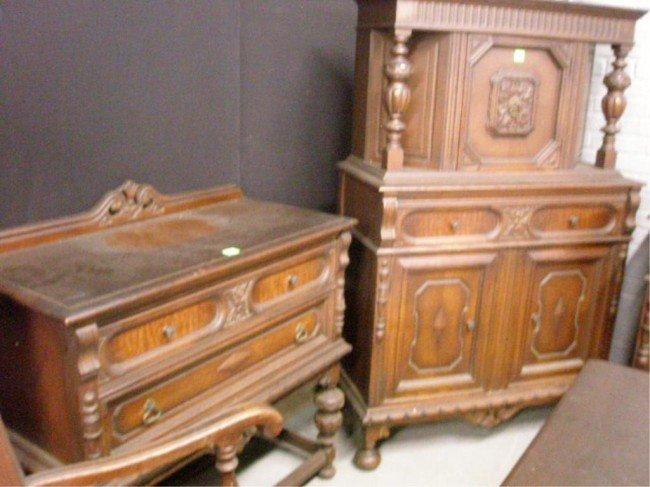 jacobean dining room set   1403: Jacobean Style 10pc Dining Room Set : Lot 1403