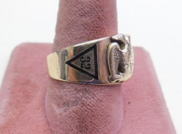 how to properly wear a masonic ring