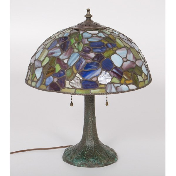 arts and crafts stained glass lamp lot 674. Black Bedroom Furniture Sets. Home Design Ideas