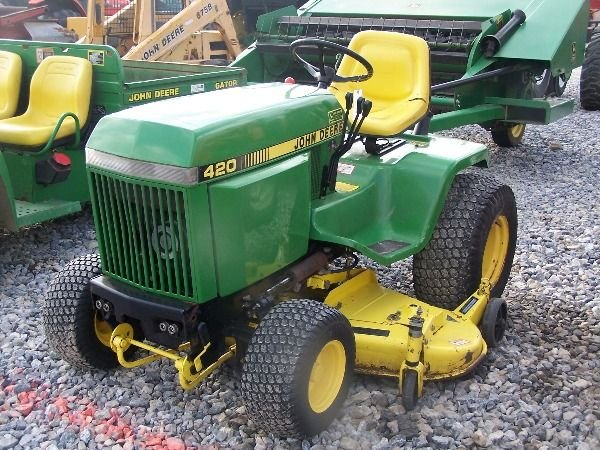 225a Nice John Deere 420 Lawn And Garden Tractor Lot 225a